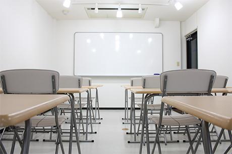 シンプルで清潔感ある環境で授業を行っております